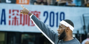 LeBron James sur Daryl Morey : « Soit il a été mal informé, soit il n'était pas vraiment au courant de la situation »